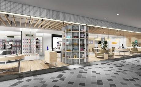 那覇にau新業態店「au WALLET Market」 スタッフがタブレットで商品紹介