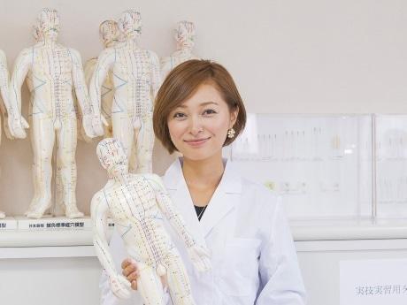 中野健康医療専門学校の特別講師に就任した市井紗耶香さん