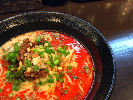 店主お薦めの「坦坦麺」(780円)