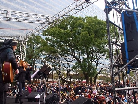 中野ランニングフェスタの「トリ」は中村あゆみさんのライブ