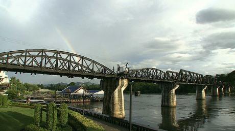 クワイ河の虹。映画「クワイ河に虹をかけた男」より