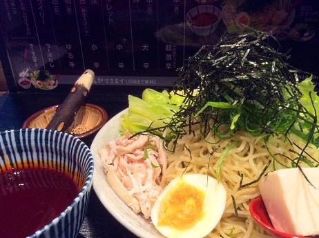 つけスープが冷たい広島流「激辛つけ麺」
