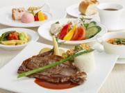 中野サンプラザの展望レストランに寄付金付きランチ カーボン・オフセットの一環で