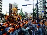 中野氷川神社例大祭 旧中野村内みこし20基以上が青梅街道や山手通りなど練り歩き