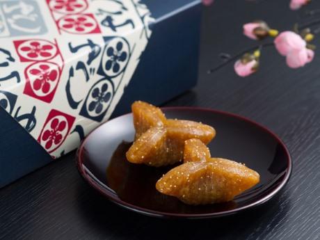福島県の土産としても人気の「かんのや 家伝ゆべし」 ©かんのや