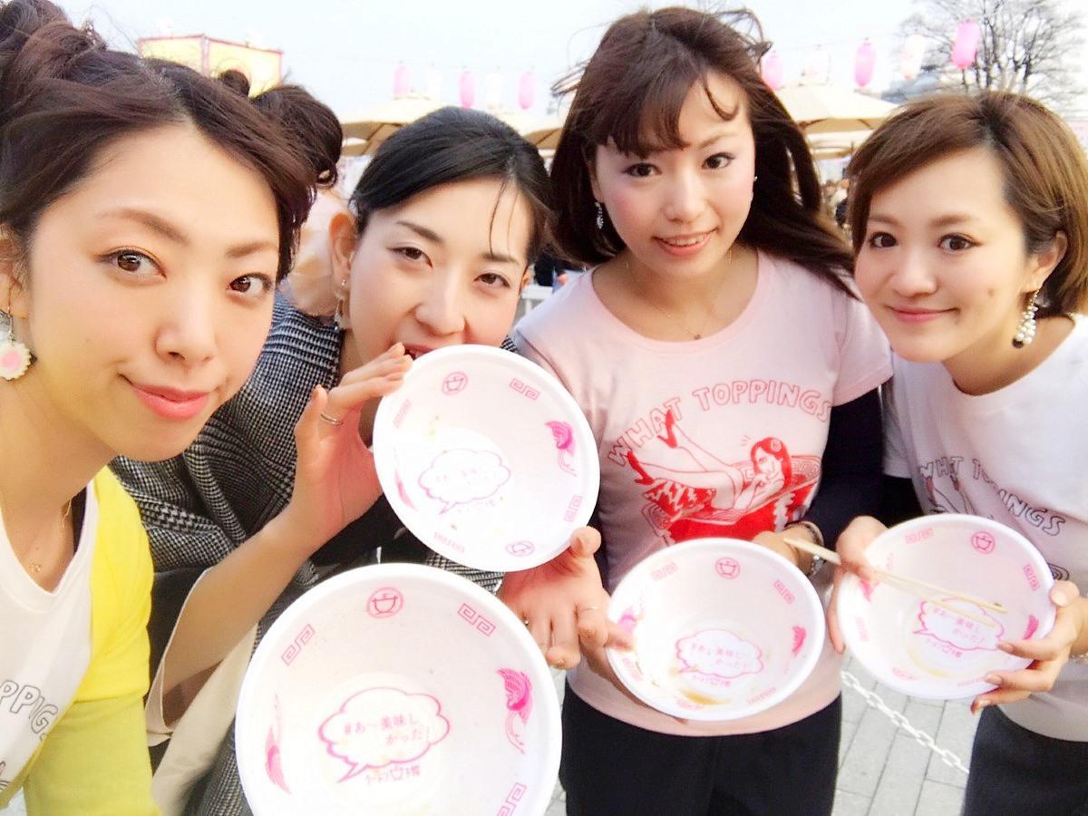 「ラーメン女子博」過去開催時の様子(左端はラーメン女子博プロデューサーの森本聡子さん)