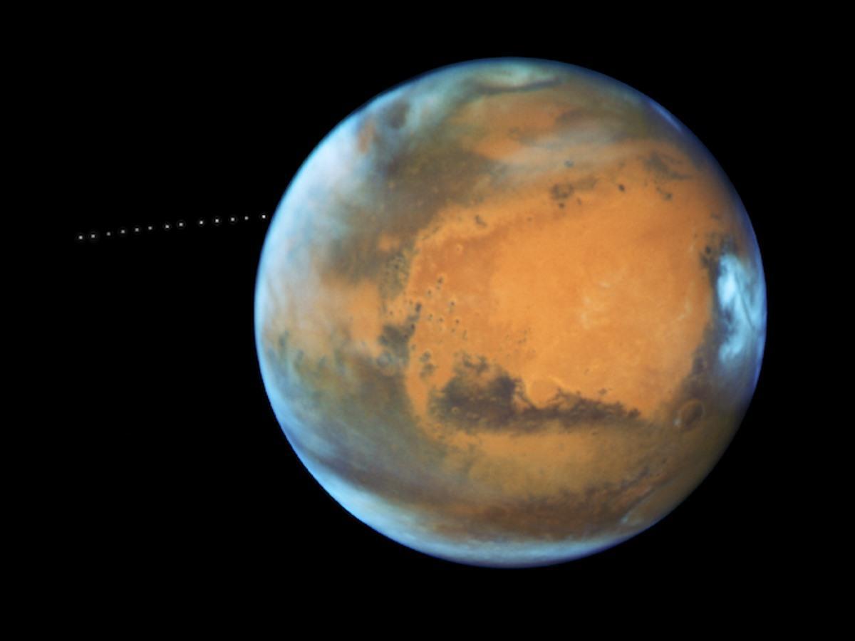火星 ©NASA, ESA, and Z. Levay (STScI)
