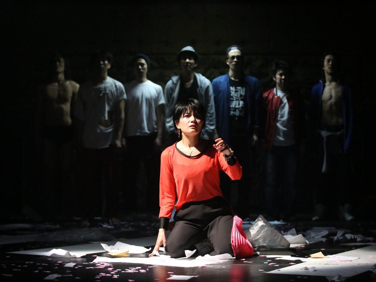 「カクシンハン」ハムレット公演時の舞台写真