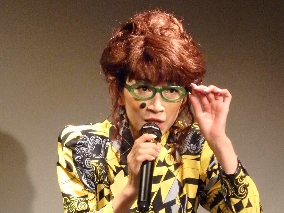 ひとり芝居シリーズ「東京夜間飛行」のキャラクター「ガーベラ」演じる原真善美さん