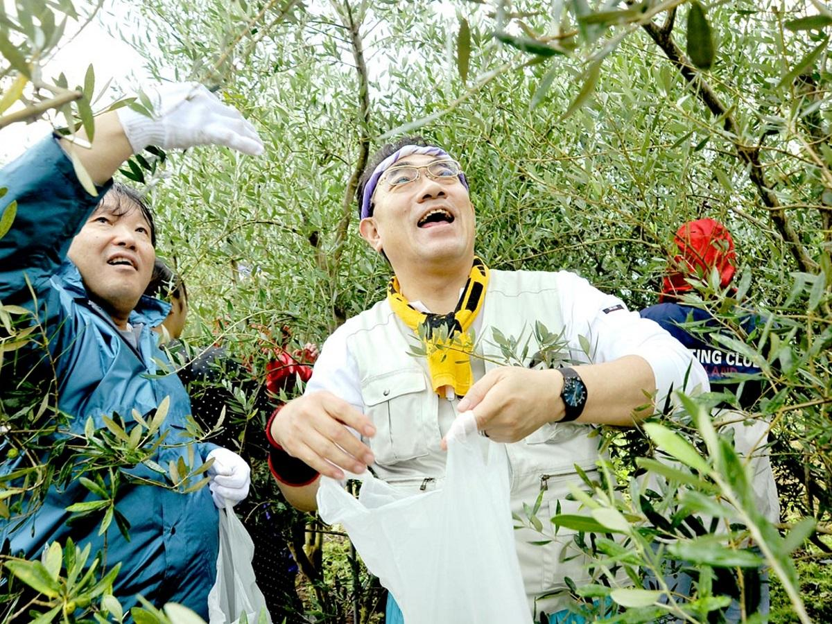 飯塚晃JR中野駅前駅長も参加した前回開催時の様子