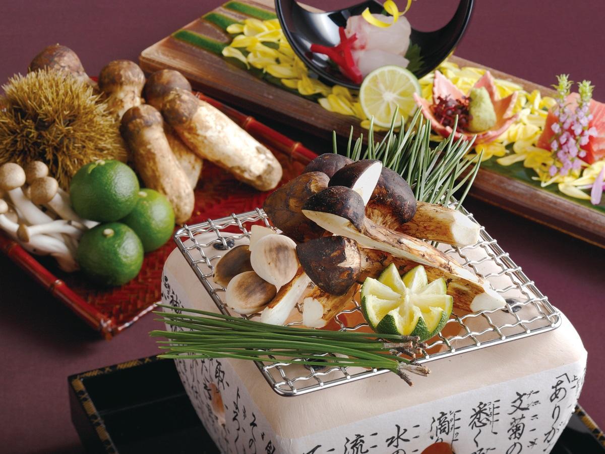 幻の魚「のどぐろ」と松茸の炭火焼き
