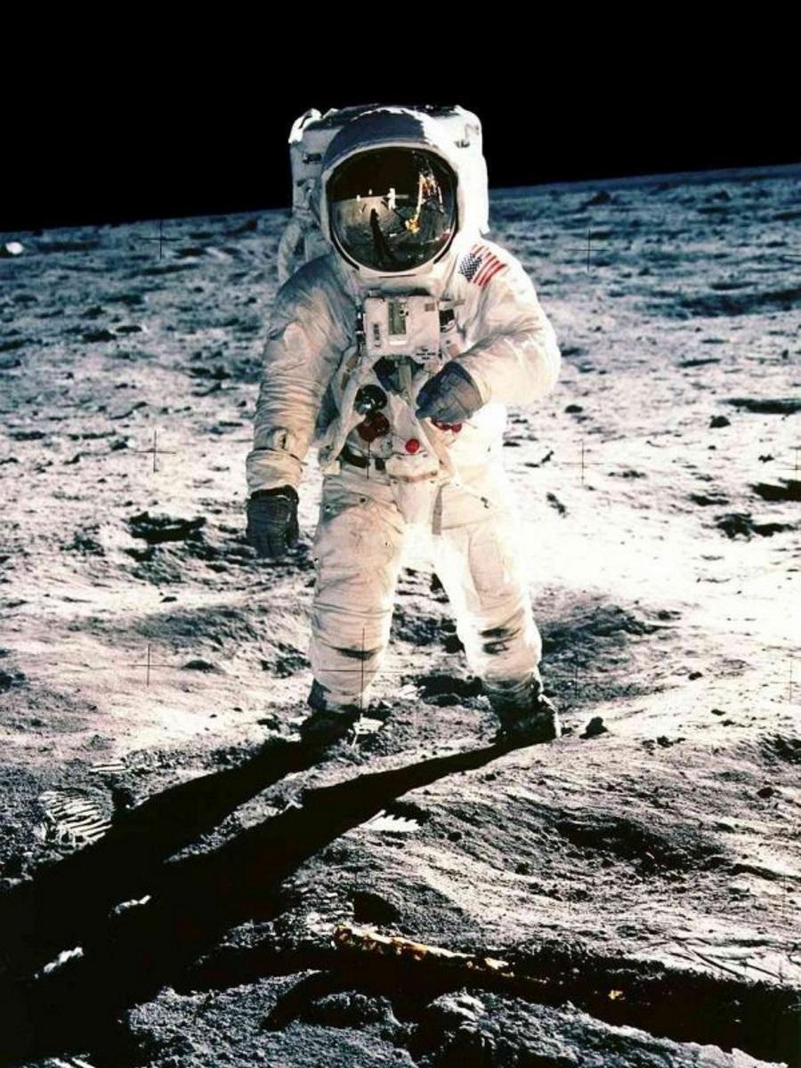 アポロ11号の月面着陸成功から7月20日で50年 © NASA