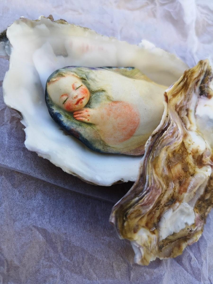 近未来さんの作品「牡蠣の子」