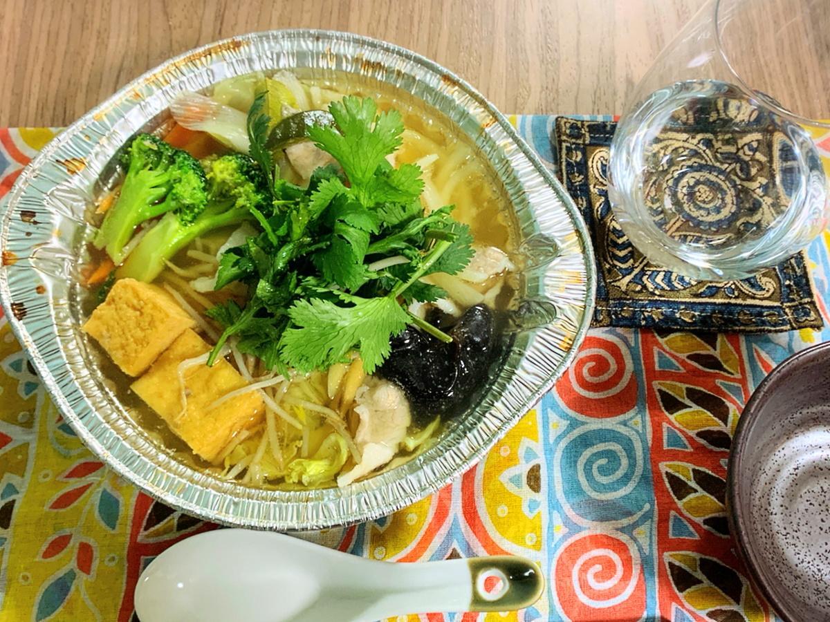 アルミ鍋に入ったコンロにかけるだけのベトナム鍋セット