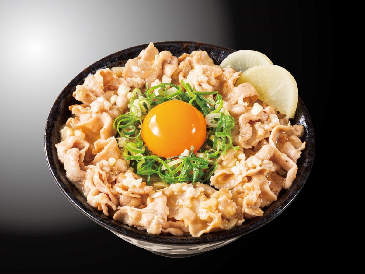 「とんこつ背脂すた丼」(880円)