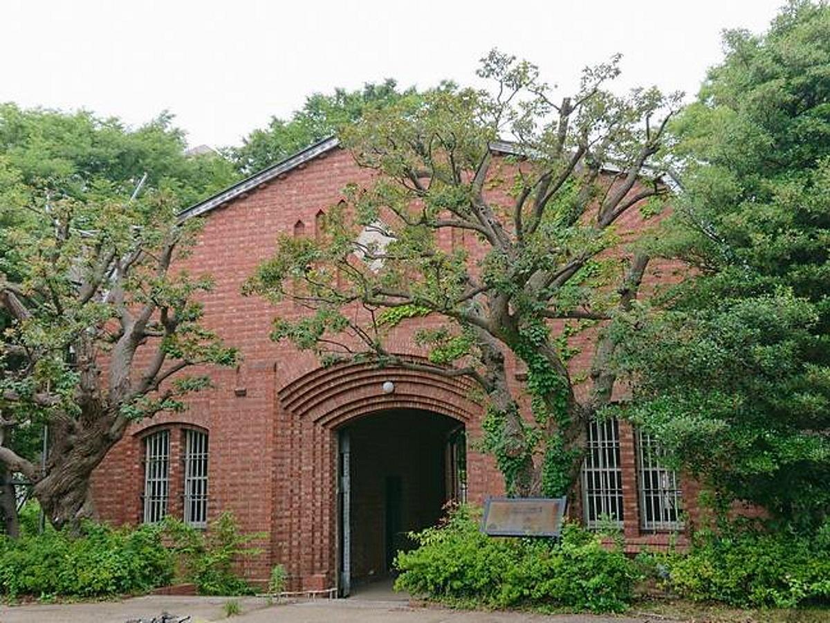 現在の「旧豊多摩監獄表門」(南側)