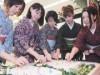 中野の専門学校・織田学園で「針供養祭」-60丁サイズの豆腐に献針