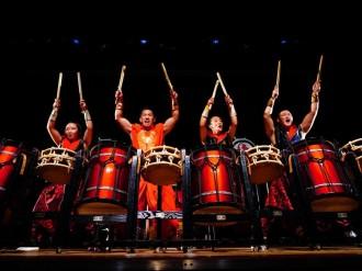 日本一に3回輝く男女混合すご腕和太鼓チーム「暁」、本拠地・中野で凱旋公演