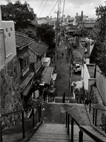 土橋政昭さんは、天下茶屋東付近から街を見下ろすように撮影した