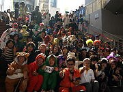 アメリカ村で「コスプレ」ごみ拾い-100人弱が参加、平松市長も激励