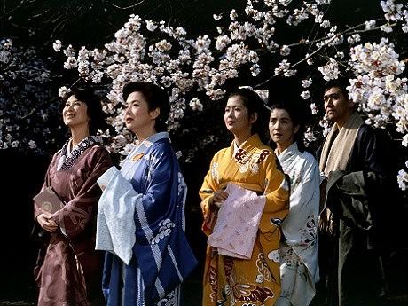 船場を舞台に老舗の4姉妹が繰り広げる「細雪」(ささめゆき)。©1983 TOHO CO.,LTD.