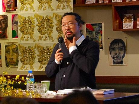 アメリカ村で村上隆さんのトークイベント「闘争論3」が行われた