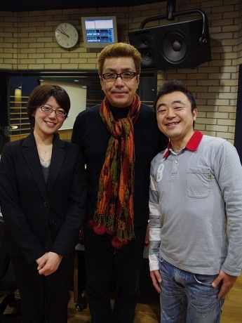 南海電鉄の森晴菜さん(左)、嘉門達夫さん(中央)、岩崎なおゆきさん(右)