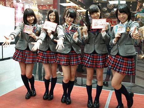 「マジ推し!!」キャンペーンをPRするNMB48の5人