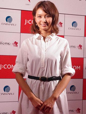 プレス発表会に登場した加藤夏希さん