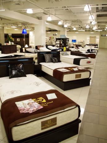 37台のベッドが並ぶ「快眠ステーション」