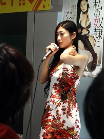 大阪で初のトークイベントを行った壇蜜さん