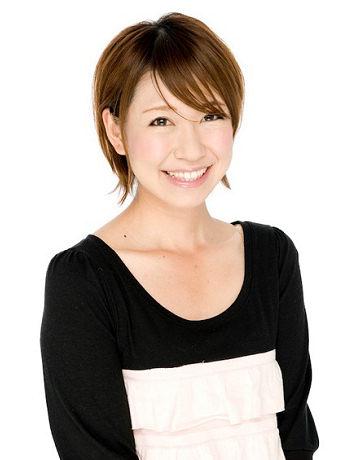 主題歌「Moe-Butsu」を歌う稲垣早希さん