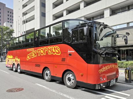 西日本鉄道のオープントップバス