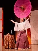 松竹芸能、外国人向けにお笑いライブ初開催 全身で笑いを表現