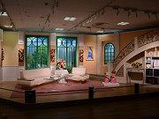 なんば高島屋で「徹子の部屋展」 40年目を記念、部屋のセット再現も