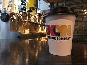 南海高架下に米発コーヒー店「ブルックリン ロースティング カンパニー」旗艦店