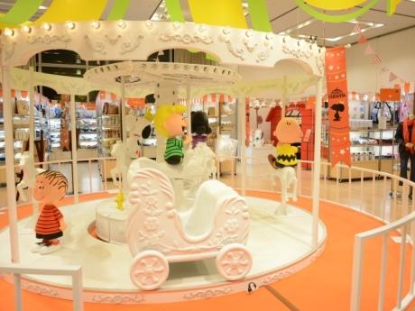 大丸心斎橋店に「スヌーピー」グッズ3000点 プレミアムフライデーはゲーム無料