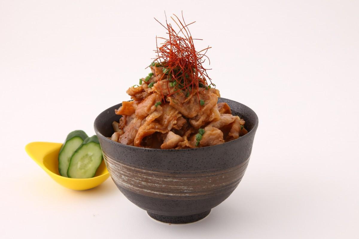 糸井嘉男選手のパワフルさをイメージした「超人糸井のパワフルスタミナ丼」