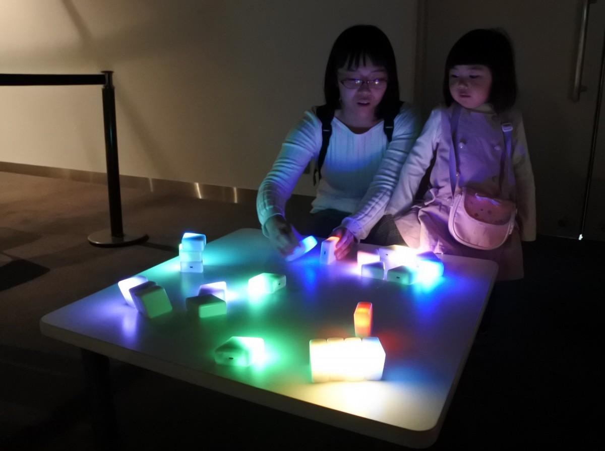 大阪大学の「光」技術を気軽に体験できるイベント なんばパークスで