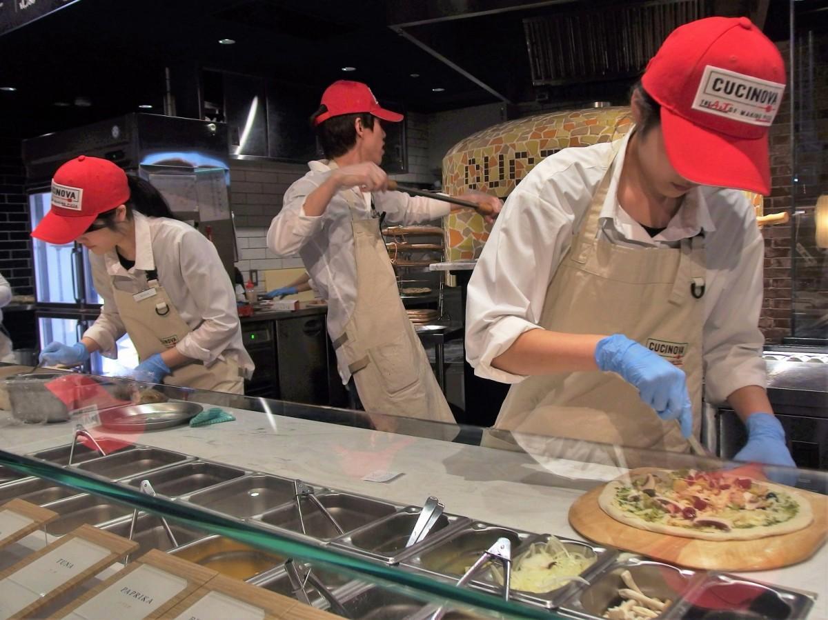 日本初上陸のカスタムピザ専門店「クチノバ」