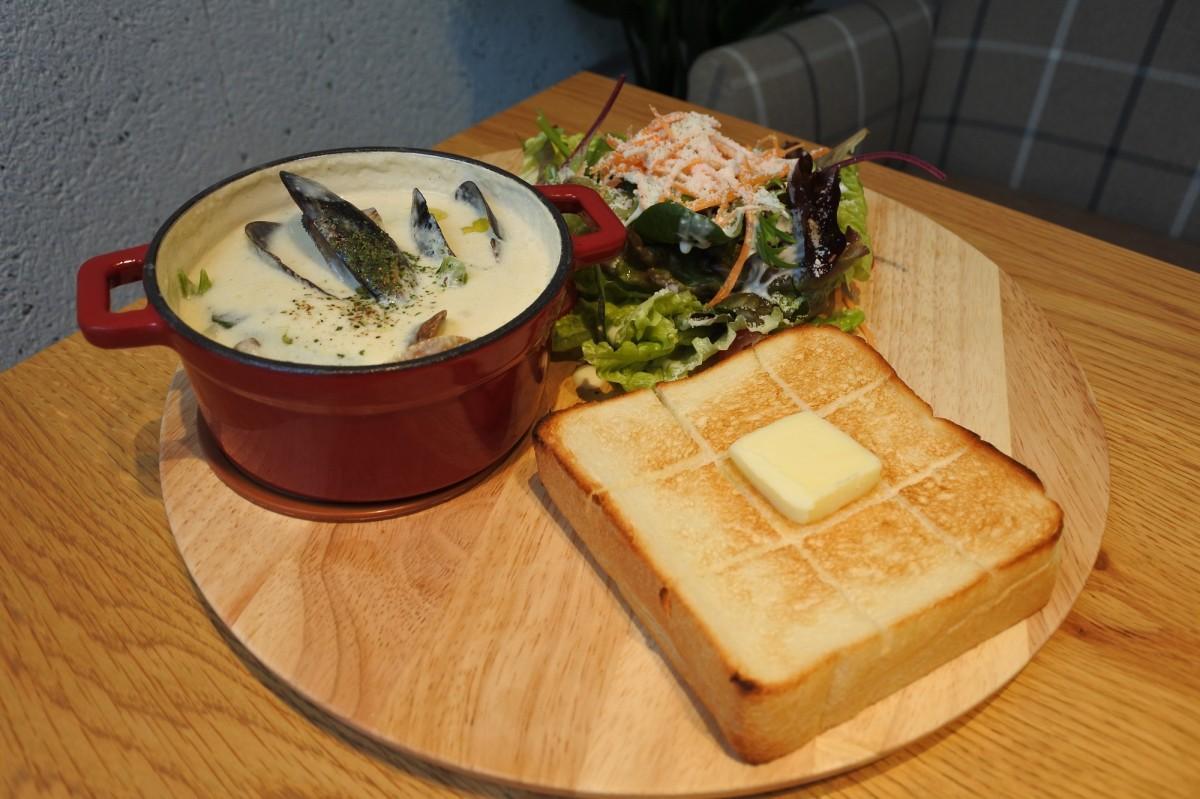 「スーププレート ムール貝とあさりのクラムチャウダー」