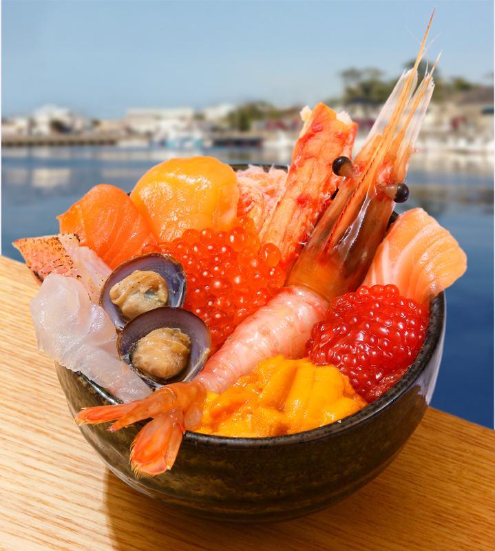 イートインで提供する「彩り道東丼」