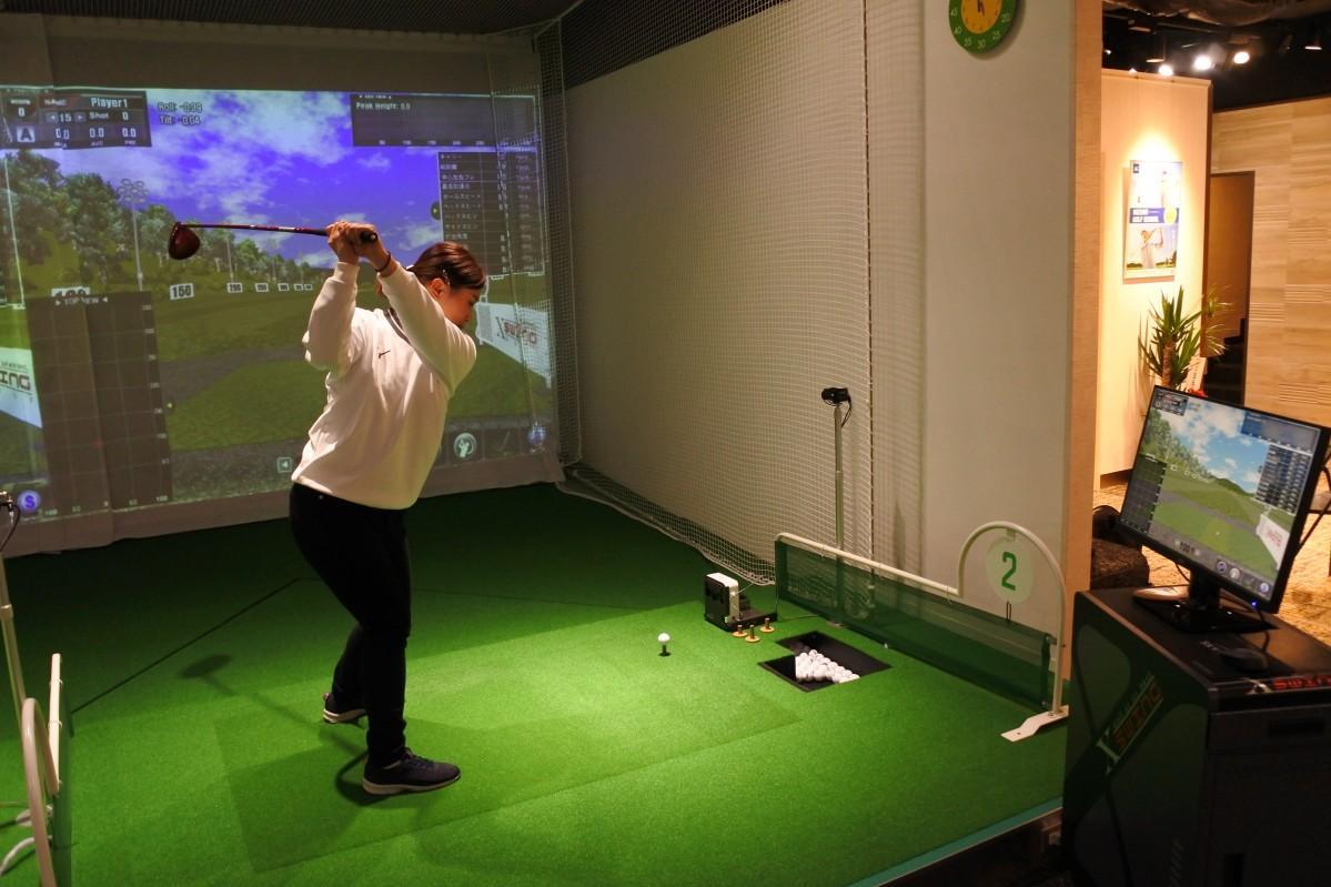 シミュレーションゴルフの様子
