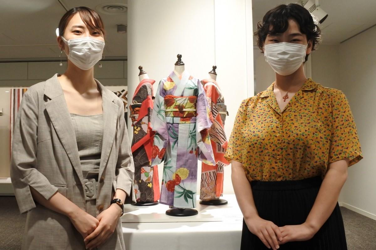 作品を制作した村岸さん(左)と安藤さん