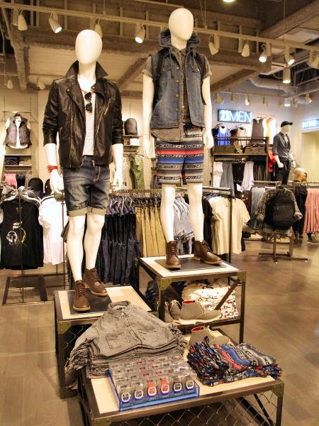 77295fef268f 道頓堀に4月20日、米ロサンゼルス発のファストファッションブランド「FOREVER21(フォーエバー21)道頓堀店」(大阪市中央区道頓堀  1)がオープンする。