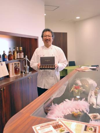 もちいどの通り商店街にオープンした「バーマンズチョコレート」の川口大輔さん