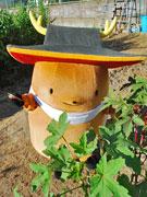 農業キャラ=ノキャラ「まんとくん」がオクラ収穫-新たな道を模索