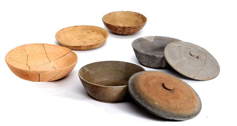 平城京出土品:商品として流通した須恵器・土師器