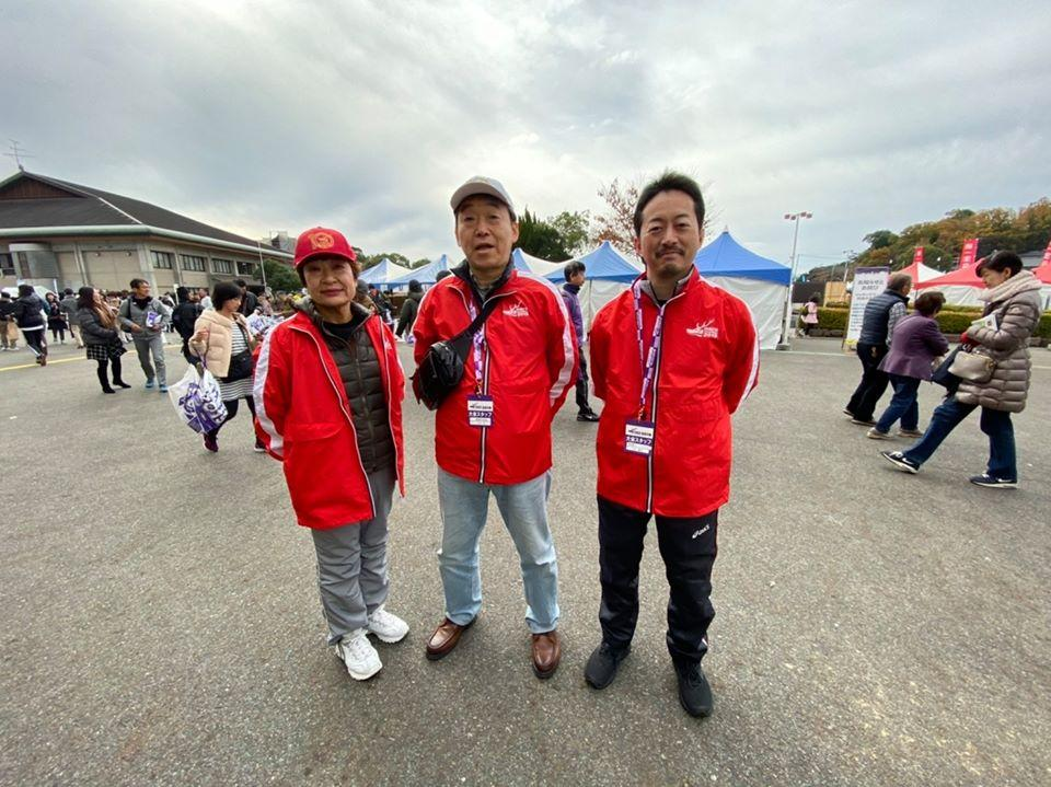 (左)日本赤十字社の矢口みや子さんは看護師で、奈良マラソンには救護や講習会講師で毎回参加している (中)市立奈良病院副院長の下川充さんは麻酔科の医師で救急集中治療センター長などを務める (右)県のドクターヘリに乗り、心停止の患者などの救命活動をしている医師、南奈良総合医療センター循環器内科部長の守川義信さん