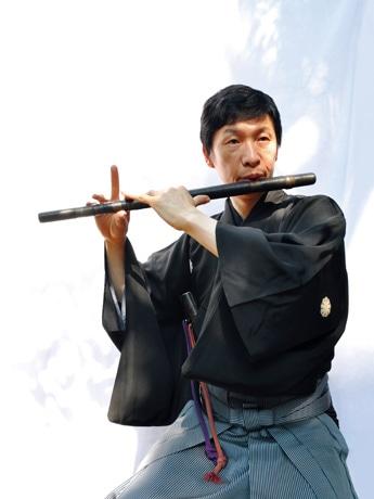 大泉出身で能楽一噌流笛方の一噌幸弘さん